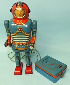 SONSCO NOMURA JAPAN SPACE MAN ROBOT TIN BATTERY OP RC TOY & BOX | Toys of Times Past