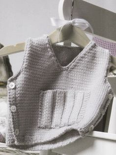 Gray Vest | Knitting Fever Yarns & Euro Yarns