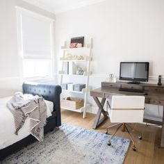 Blue Home Offices, Home Office Space, Home Office Design, Home Office Decor, Office Ideas, Guest Bedroom Office, Guest Bedrooms, Guest Room, Teen Bedroom