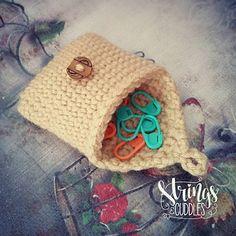 SAC Mini-Purse - free crochet pattern by Elisa DeSena. ☂ᙓᖇᗴᔕᗩ ᖇᙓᔕ☂ᙓᘐᘎᓮ…
