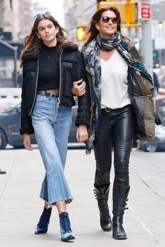 Синди Кроуфорд с дочкой Кайей Гербер в Нью-Йорке