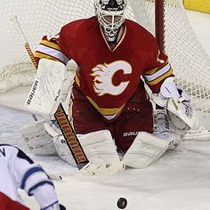 Miikka Kiprusoff Photos Photos: Winnipeg Jets v Calgary Flames Goalie Gear, Goalie Mask, Hockey Goalie, Ice Hockey Teams, Hockey Stuff, Calgary, Nhl Players, Edmonton Oilers, Sports Stars