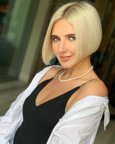"""SERGEY SHAPOCHKA • hairdresser on Instagram: """"Monday blonde bob @shkil.v 🖤 —————————— #sergeyshapochka #creafthairdresser #crafthaircolor #hairbrained #hairbrained_official #blonde #bob…"""" Fall Bob Hairstyles, Short Bob Haircuts, Trendy Hairstyles, Wedge Hairstyles, One Length Bobs, One Length Hair, Short Hair Cuts, Short Hair Styles, Chin Length Bob"""