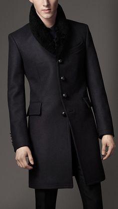 Burberry Shearling Collar Top Coat in Black for Men (navy) Sharp Dressed Man, Well Dressed Men, Coat Dress, Men Dress, Moda Do Momento, Herren Style, Herren Outfit, Men's Coats And Jackets, Burberry Men