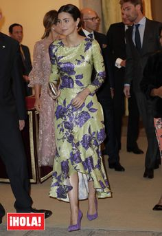 HRH Princess Alessandra of Hanover at the reception hosted by the Peruvian President in honour of King Felipe VI and Queen Letizia during the state visit to Spain Trendy Dresses, Nice Dresses, Fashion Dresses, Royals, Mother Of Groom Dresses, Evening Dresses, Summer Dresses, Royal Dresses, Queen Dress