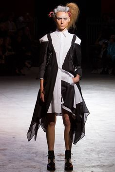 Yohji Yamamoto Spring 2014 Ready-to-Wear Collection Slideshow on Style.com