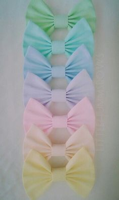 bowwss :3 these would go good with cute and dark clothes ^^