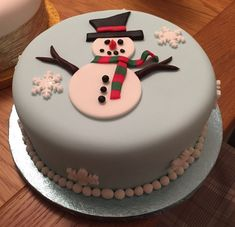 Chrismas Cake, Christmas Themed Cake, Christmas Cake Designs, Christmas Cake Decorations, Christmas Cupcakes, Christmas Sweets, Holiday Cakes, Christmas Cooking, Cake Shapes