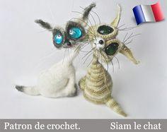 Cet article est UN PATRON TELECHARGEABLE, pas un produit fini. LANGUE: Français -------------------------------------- ENGLISH there - https://www.etsy.com/uk/listing/116290446/010-cat-siam-toy-with-wire-frame?ref=shop_home_feat_3 NIVEAU: Expérimenté
