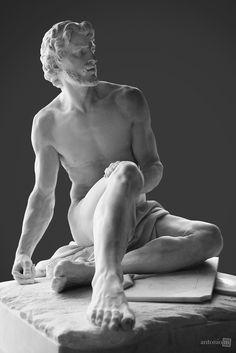 Arquimedes. Mármore. 1788. Simon-Louis Boquet (17/09/1743 - 20/09/1833). Encontra-se no Museu do Louvre, Paris, França. Departamento de esculturas. Simon-Louis Boquet foi um escultor francês nascido em Paris, e morto na mesma cidade. Foi  membro da Academia Real de Pintura e Escultura (1786).