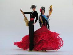 Couple-de-danseurs-et-danseuses-avec-guitare-21cm.jpg