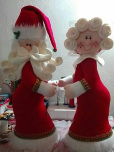 90 Christmas Decoration Design Ideas You Should Collect Christmas Elf Doll, Christmas Hearts, Christmas Fabric, Primitive Christmas, Felt Christmas, Christmas Home, Salt Dough Christmas Ornaments, Holiday Tree, Xmas Crafts