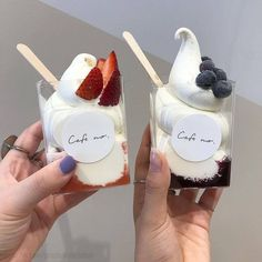 Discovered by Jazz. Find images and videos about food, delicious and theme on We Heart It - the app to get lost in what you love. Think Food, I Love Food, Cute Desserts, Dessert Recipes, Dessert Food, Cafe Food, Aesthetic Food, Korean Aesthetic, Summer Aesthetic