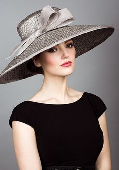 Rachel Trevor Morgan, S/S 2014. Mesh straw picture hat with straw bow.