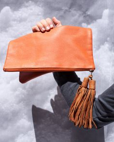 nomadik /// The Perfect Clutch