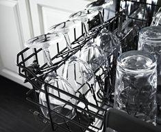 Cam bardaklarınız bulaşık makinasından parlaklığı gitmiş, hafif beyazlamış gibi bir şekilde mi çıkıyor? Built In Dishwasher, Higher Design, Organizing Your Home, Interior Lighting, Cool Things To Buy, Chandelier, Stainless Steel, Ceiling Lights, Building