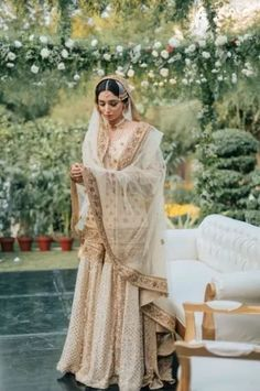 Gorgeous Wedding Of A Cricket Presenter In The Most Stunning Bridal Outfits Pakistani Wedding Outfits, Pakistani Bridal Wear, Pakistani Dress Design, Bridal Outfits, Bridal Lehenga, Pakistani Dresses, Indian Dresses, Indian Outfits, Pakistani Engagement Dresses