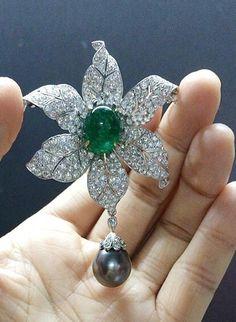 6.66CT NATURAL DIAMOND 14K WHITE GOLD PEARL EMERALD WEDDING ANNIVERSARY BROOCH #Sk_Jewels #diamondbrooch