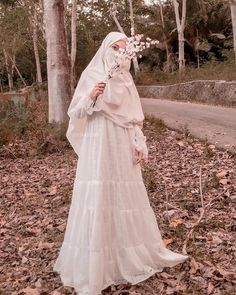 Hijab Dress Party, Hijab Wedding Dresses, Muslim Women Fashion, Islamic Fashion, Hijabi Girl, Girl Hijab, Hijab Chic, Hijab Casual, Beautiful Hijab Girl