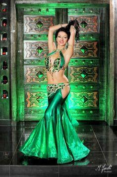Belly Dancer Costumes, Belly Dancers, Dance Costumes, Tribal Fusion, Belly Dance Outfit, Tribal Belly Dance, Ballroom Dance Dresses, Beautiful Costumes, Dance Fashion