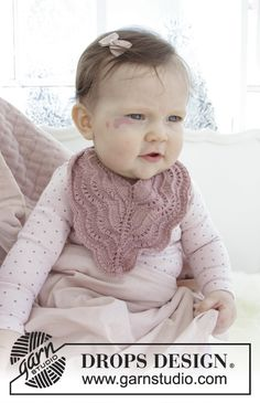 Baby - Free knitting patterns and crochet patterns by DROPS Design Baby Knitting Patterns, Baby Bibs Patterns, Free Knitting, Crochet Patterns, Drops Design, Crochet Baby Bibs, Drops Baby, Magazine Drops, How To Purl Knit
