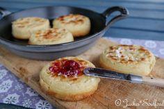 Crumpets - englische Hefeteigküchlein zum Frühstück oder tea