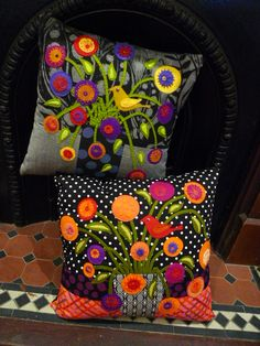pillows by the lovely Australian quilters behind Material Obsession. Wool Quilts, Applique Quilts, Applique Cushions, Flower Quilts, Wool Embroidery, Crochet Cushions, Landscape Quilts, Penny Rugs, Quilted Pillow