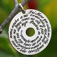 Aparecida Prates' design transcribes the prayer taught by Jesus, known to Christians as The Lord's Prayer.