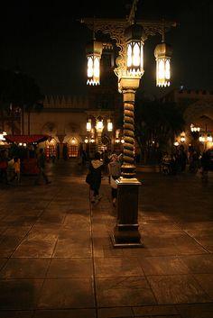 Disney lamp post