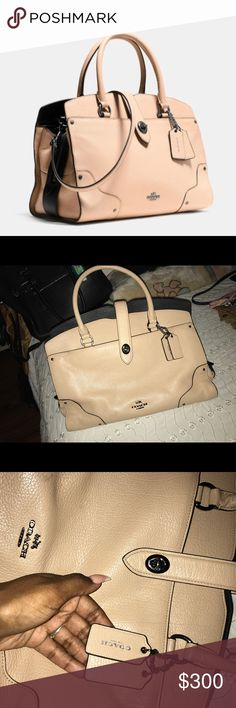 """COACH """"Mercer"""" Colorblock Satchel ✨ Beautiful satchel by COACH , 100% authentic !! The black really pops from the inside against the beige exterior  Has PLENTY of room inside , a lot of compartments . does NOT come with the detachable shoulder strap !!! Limited edition model , so don't miss out!!! Coach Bags Satchels"""