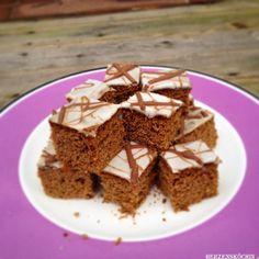 Lebkuchenwürfel mit Glasur weiß-braun