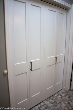 How to Easily Install Bi-fold Closet Doors via @centschateau #kitchendoors