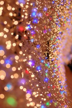 Glitter / Twinkle twinkle little lights, LEDs are taking flight! I love this image. This is most likely what the inside of my glitter-obsessed brain looks like. Papier Peint Brilliant, Phone Backgrounds, Wallpaper Backgrounds, Glitter Wallpaper, Sparkles Glitter, Glitter Bomb, Glitter Lips, Glitter Eyeshadow, Gold Sequins