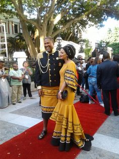 Really like these traditional african fashion 0384 African Traditional Wedding Dress, Traditional African Clothing, Traditional Fashion, Traditional Outfits, Xhosa Attire, African Attire, African Wear, African Dress, Wedding Dresses South Africa