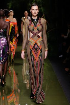 http://www.vogue.com/fashion-shows/spring-2017-ready-to-wear/balmain/slideshow/collection
