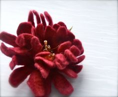 Felt brooch Pink flower Handmade Felt brooch Wool by jurooma