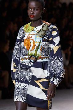 Louis Vuitton Spring 2020 Ready-to-Wear Fashion Show - Vogue Fashion Now, Black Girl Fashion, Runway Fashion, Fashion Tips, Fashion Ideas, Fashion Quiz, 80s Fashion, Spring Fashion, Fashion Inspiration