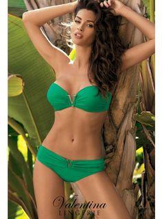 Maillot de bain Shannon ( vert ) ♥   Découvrez ce magnifique maillot de bain deux pièces, le soutien-gorge est de type bandeau, avec un V aux creux des seins. Et le bas est une culotte de type shorty.  Existe en vert, blanc, noir, orange, bleu, violet