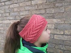 Be beautiful in winter! Warm and gentle ear warmer. Knitting with love Handmade Items, Handmade Gifts, Ear Warmers, Marketing And Advertising, Winter Hats, Crochet Hats, Coral, Knitting, Trending Outfits