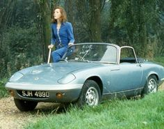 Avengers Girl, Avengers Poster, Emma Peel, Dodge Charger, Classic Tv, Classic Cars, Maserati, Diana Riggs, Convertible