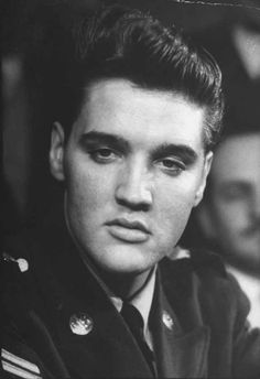 The next day he would leave Germany with Priscilla.   21 Unbelievable Candid Photographs Of Elvis Presley In The Army