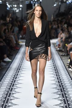 Versus Versace RTW Spring 2015 sexy blk dress and loving the shoes. Not crazy about the low front cut.