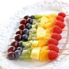 New Fruit Skewers Party Bridal Shower Ideas Birthday Party Snacks, Fruit Party, Snacks Für Party, Fruit Birthday, Birthday Desserts, Party Recipes, Wedding Snacks, Party Desserts, Party Party