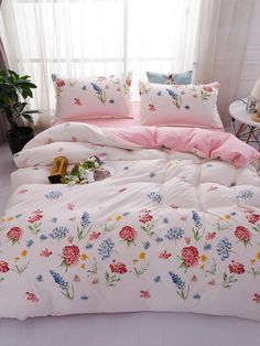 To find out about the Flower Print Sheet Set at SHEIN, part of our latest Bedding Sets ready to shop online today! Bedroom Sets, Girls Bedroom, Bedding Sets, Bedroom Decor, Dorm Bedding, Bedrooms, Dream Rooms, Dream Bedroom, Cute Bed Sheets