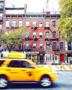 """In the hectic city I stand still!"" #nycandtours #turistinewyork #NewYork #newyorkcity #nyc #ny #onlineconcierge #concierge #newyorkconciergeandtours #newyorkconcierge #tourists #tourist #nyconcierge #travel #visitnewyork #dansk #danish #tourguide #nyclicenced #sightseeing #newyorker #turengårtil #turengårtilnewyork"