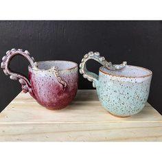 Ceramic Pottery, Ceramic Art, Ceramic Mugs, Ceramic Spoons, Pottery Mugs, Mug Diy, Cerámica Ideas, Decor Ideas, European Home Decor