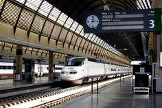 Reloj Festina - Bodet estación de trenes de Sevilla, España.