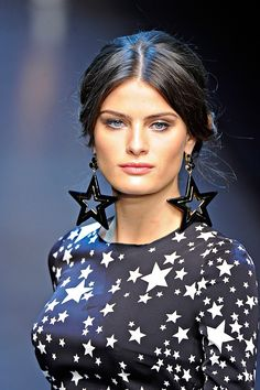 Isabeli Fontana, fashion model, Milan Fashion Week, Dolce and Gabbana