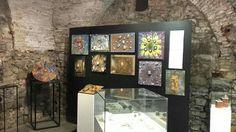 Le opere meravigliose dei Ragazzi dell'Istituto d'Arte di Pietrasanta.  In visita alla mostra con il Maestro Helidon Xhixha.