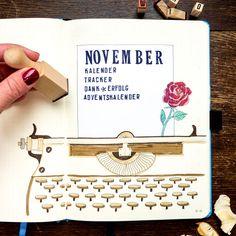 BULLET JOURNAL IDEEN DEUTSCH    Du suchst Inspiration für dein Bullet Journal? Hier findest  du immer frische Ideen zum aktuellen Monat und verschiedene Layouts, die du für  dein Bullet Journal nutzen kannst: Monatsübersichten, Habit Tracker,  Wochenübersichten, Handlettering, Deckseiten und alles rund ums Bujo!     #bulletjournal #bulletjournalideendeutsch  #bulletjournalinspiration #bujoideen #bulletjournalvorlagen November Kalender, Bujo, Bullet Journal 2019, Journaling, Pattern, Inspiration, Xmas Pics, Bullet Journal Ideas, Christmas Time